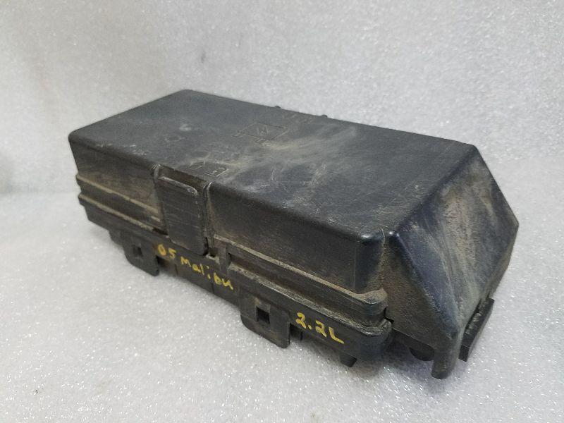Engine Fuse Box Under Hood 2 2l Fits 2005 Malibu